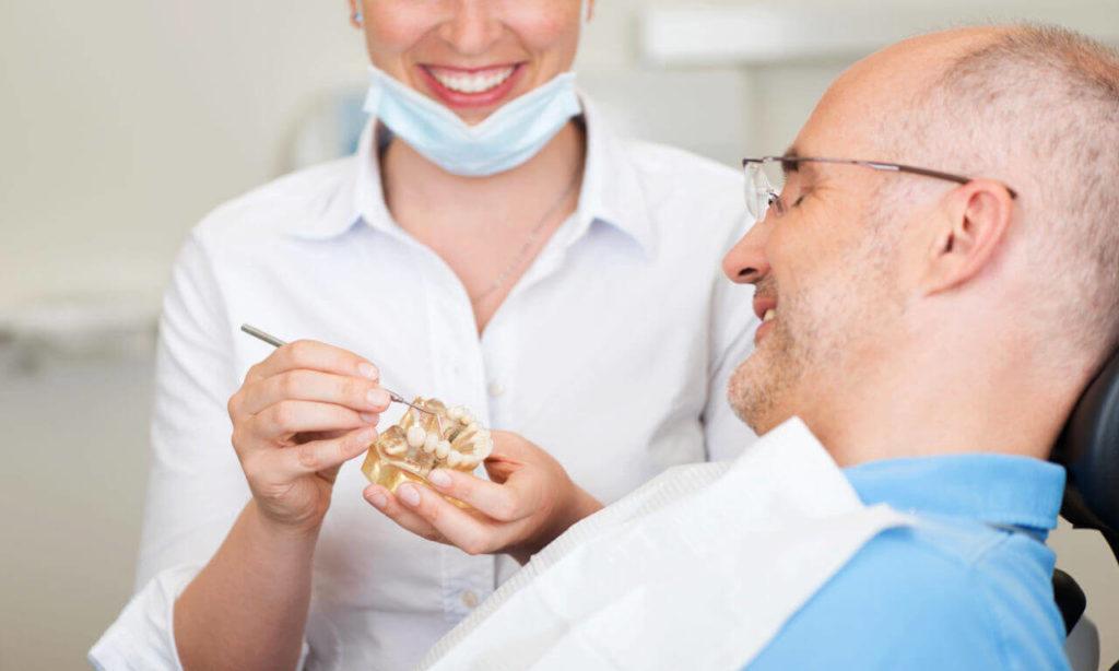 Виды протезирования зубов на Римской